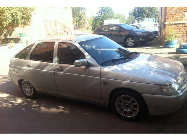 Продаю ВАЗ 2112 2005 года выпуска в хорошем состоянии. Двигатель 1.6, 16 к
